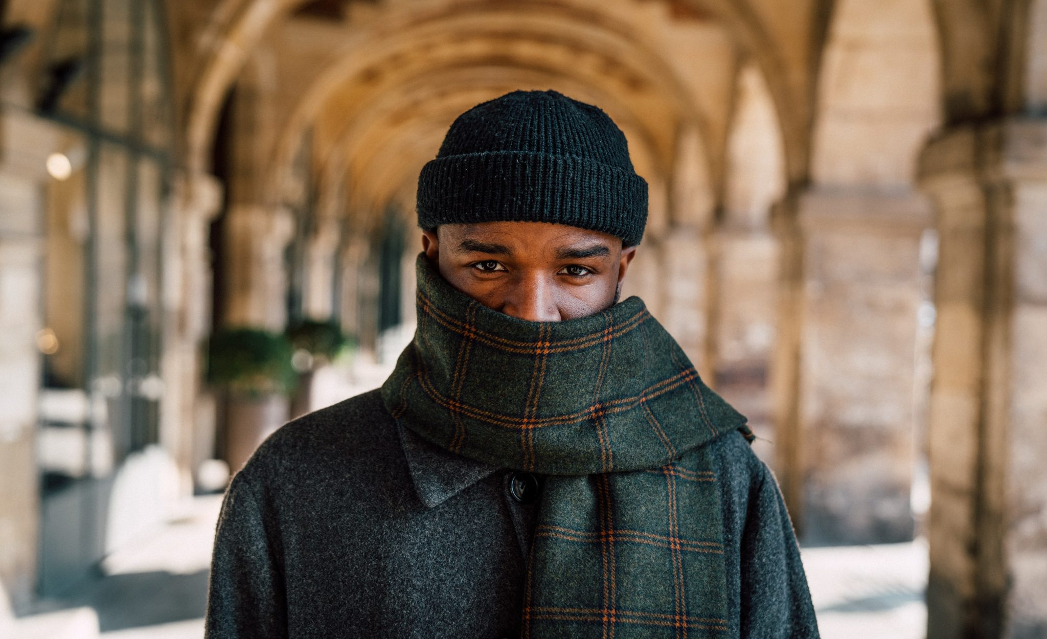How to Wear a Men's Scarf this Winter